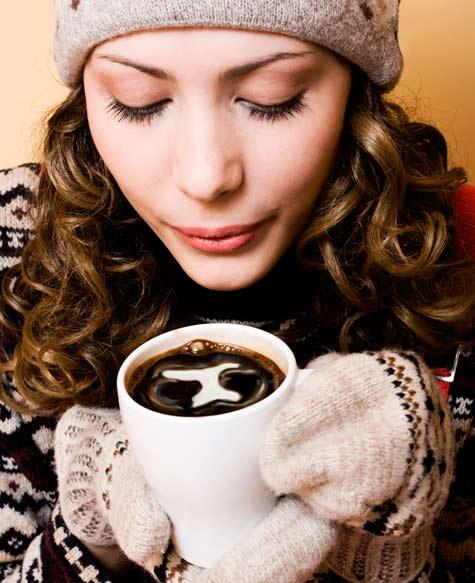 kahve içen bayan resimleri
